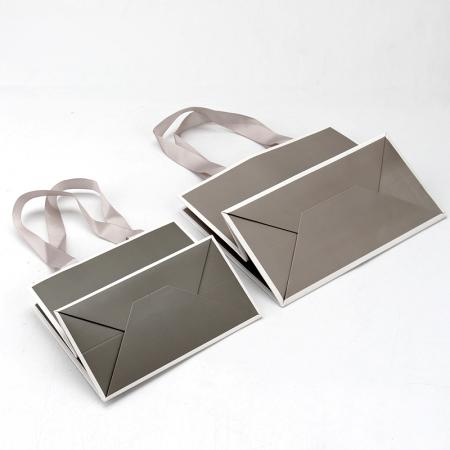 retail luxury packaging paper bags with your own logo